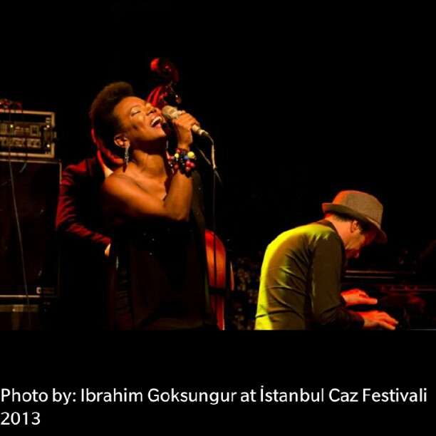 I really like the vibe of this pic. #istanbulcazfestival by #ibrahimgoksungur #singerontheroad #onstage