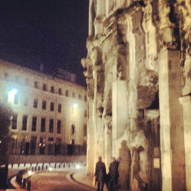 Night walk #nimes #arenesdenimes