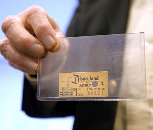 allofmyfavoritethings :      poculum :      The first Disneyland admission ticket ever sold.     It was purchased by Roy O. Disney, Walt Disney's older brother, for $1 in 1955.    Source      that's clearly the hand of the grim reaper holding the ticket..lmao