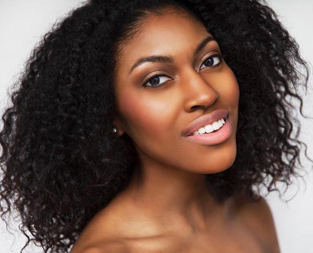 Ladies & Gentleman.... the fabulous @janelcarrington 💋 Makeup | @eliana_makeup  Hair | @xmahair  #GIRLPOWER #NEWWORK