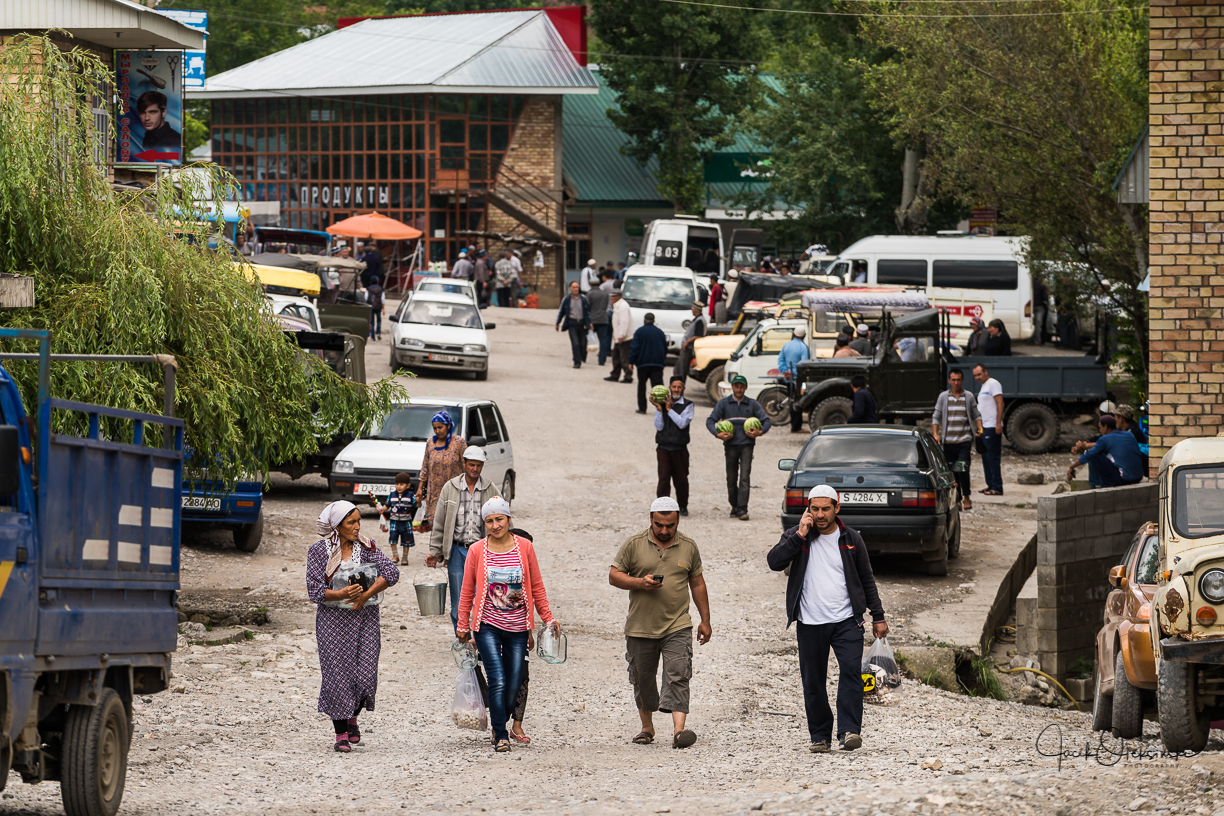 People coming back from the market in   Arslanbob