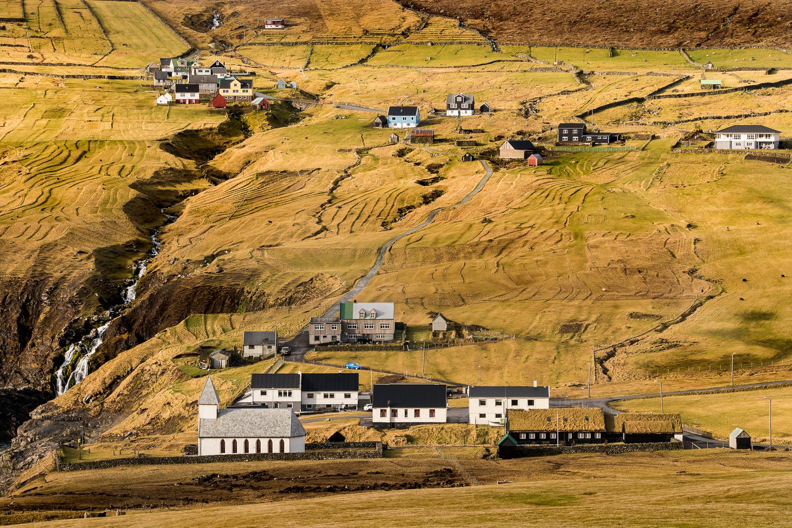 Vidareidi village