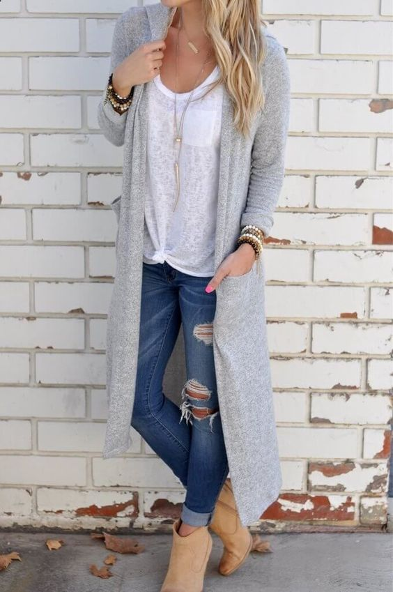 Cuff Your Skinnies - Because there are times you want a full length skinny jean,you can always cuff your skinnies to get rid of the extra fabric, giving you that streamlined look. Be sure to show just a peek of skin between your cuff and your boot.