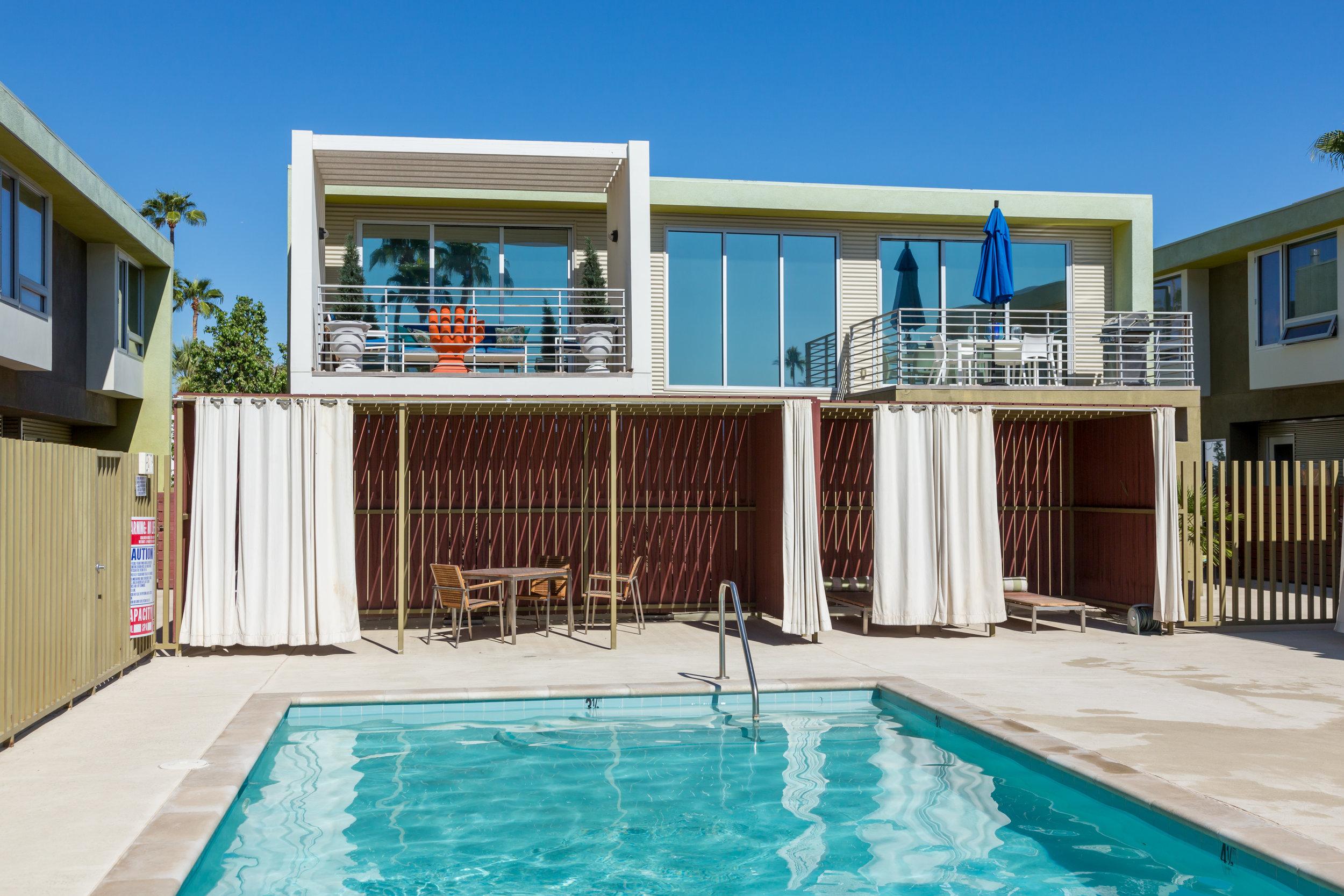 Pool at 803 North Palm Canyon