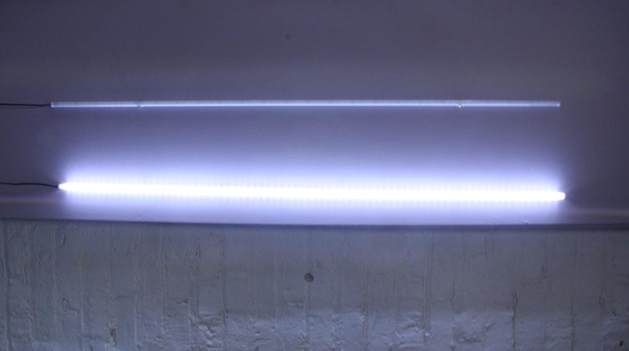 LED-white-light-bar-on-off.png