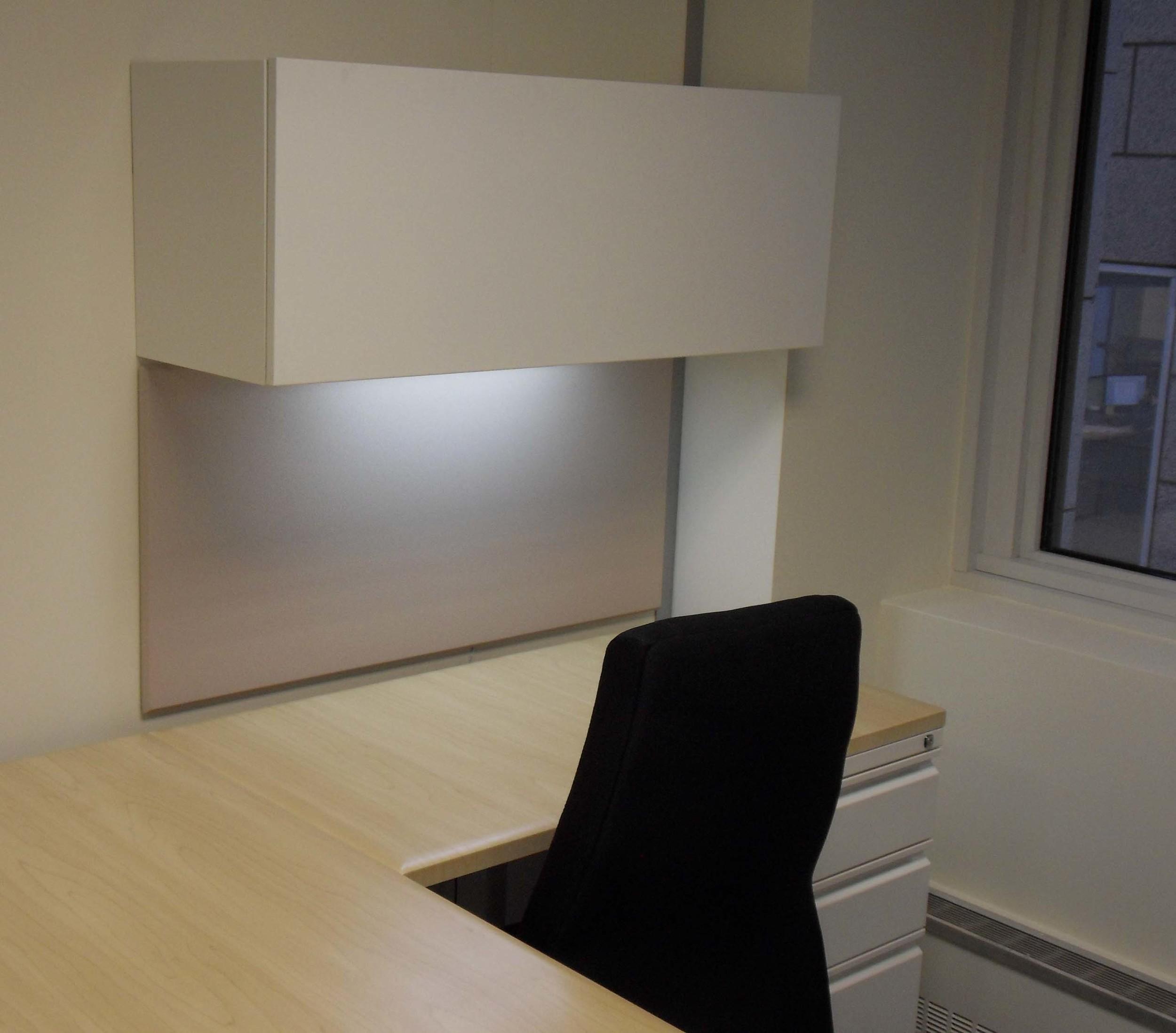 Workstation_LED_Undercabinet2.jpg