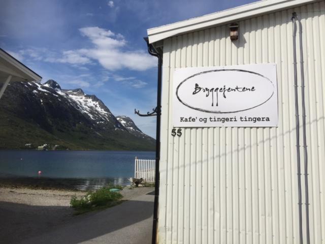 Bryggejentene  i Ersfjord
