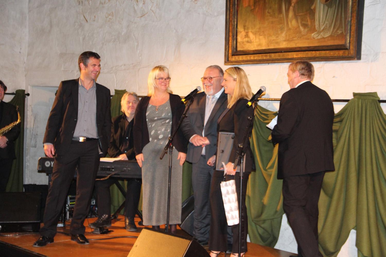 Til slutt ble det utdelt en pris for det første firmaet som vi skrev avtale med: TORO, nå en del av Orkla Foods.