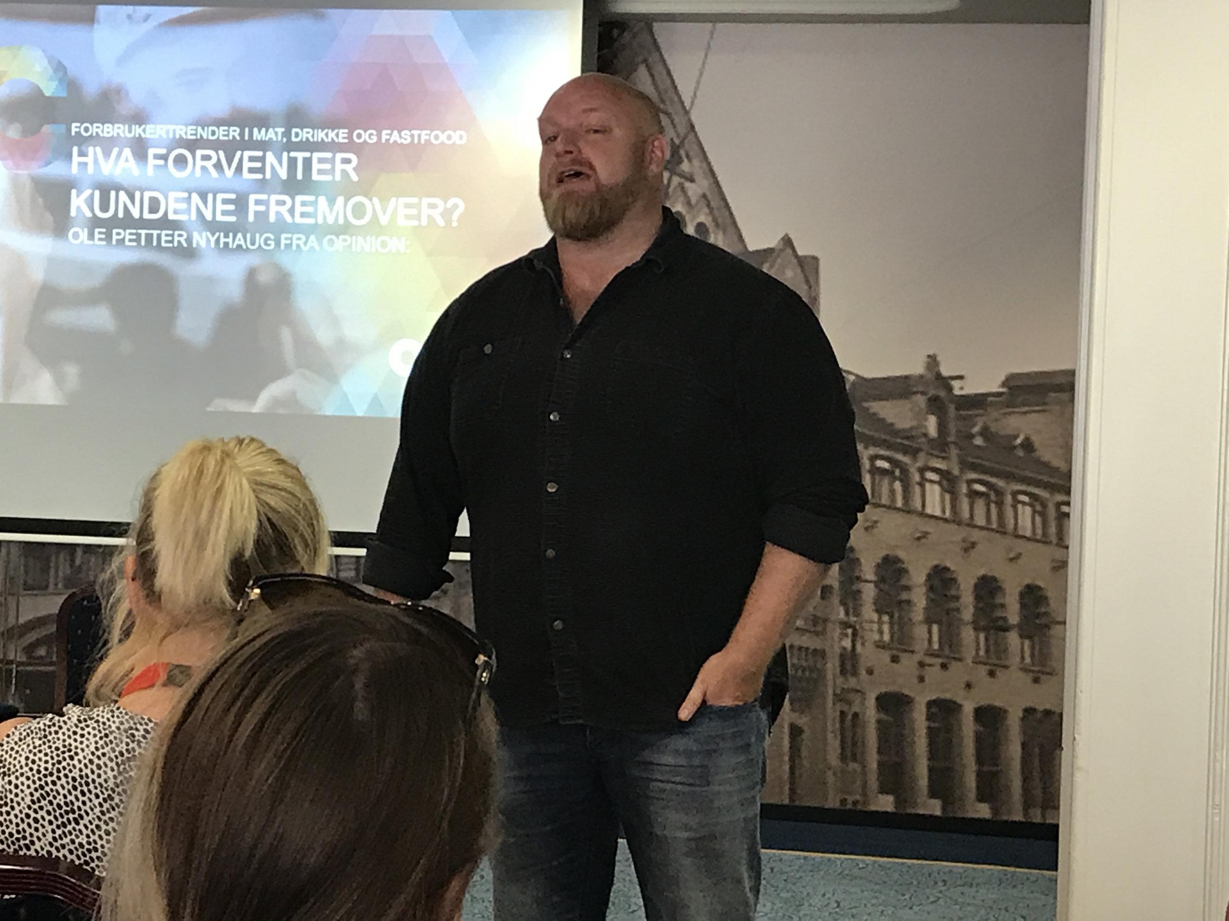 Spennende foredrag av Ole Petter Nyhaug fra Opinion