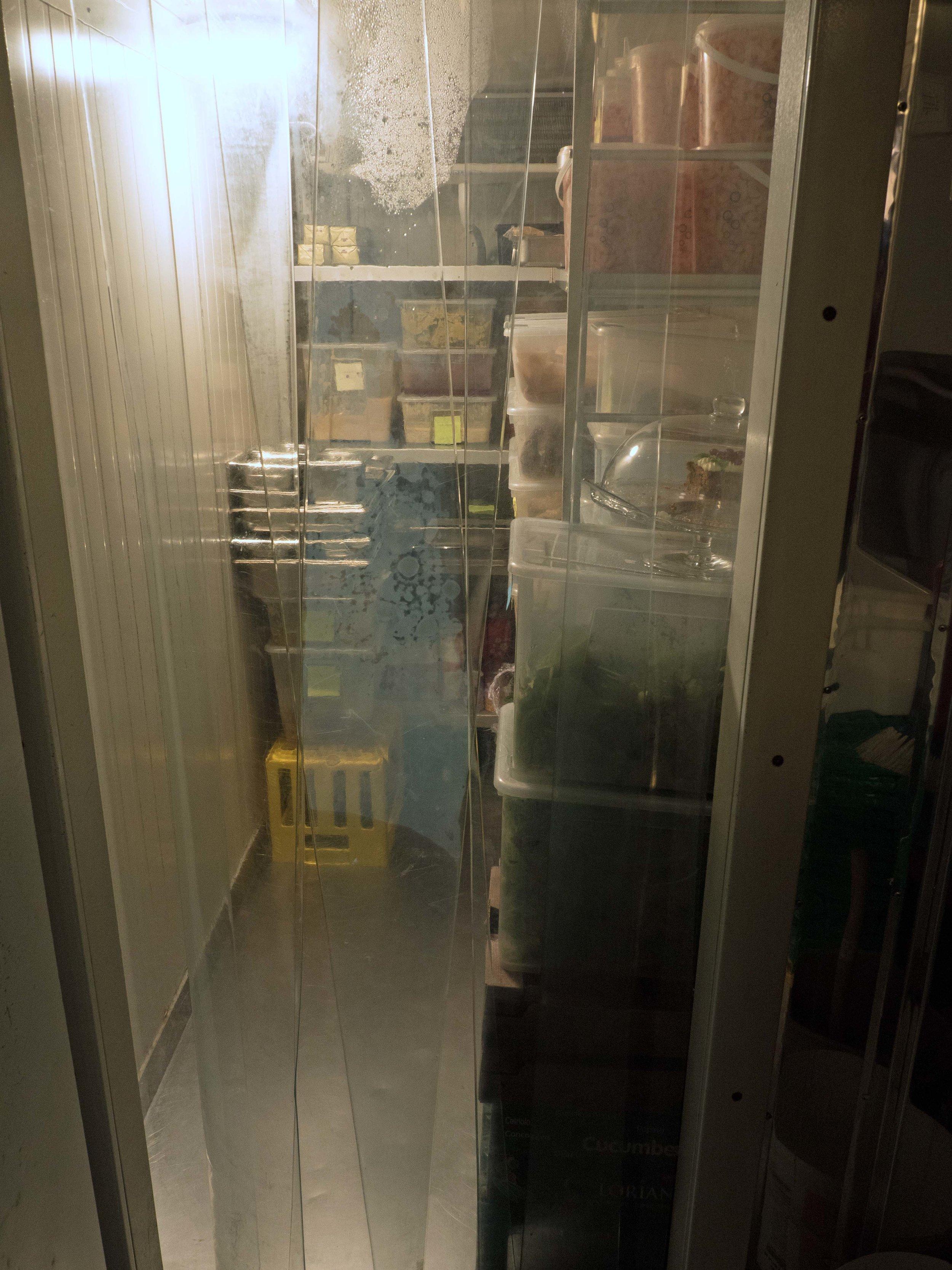 Kjølelageret måler 0,7 kvadratmeter, så her blir ikke varene liggende lenge.