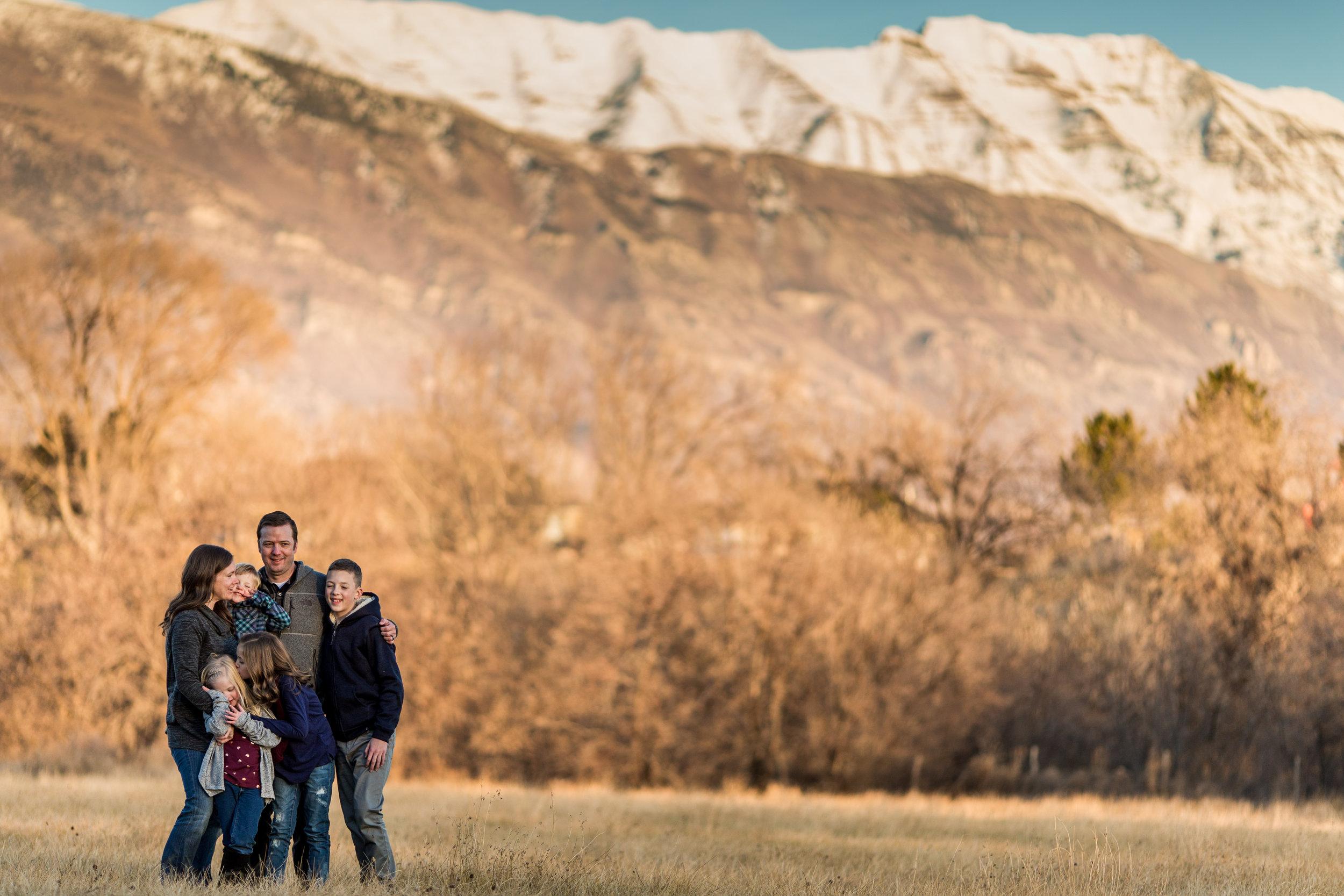 Mountain view sunset session {Utah family lifestyle photographer}