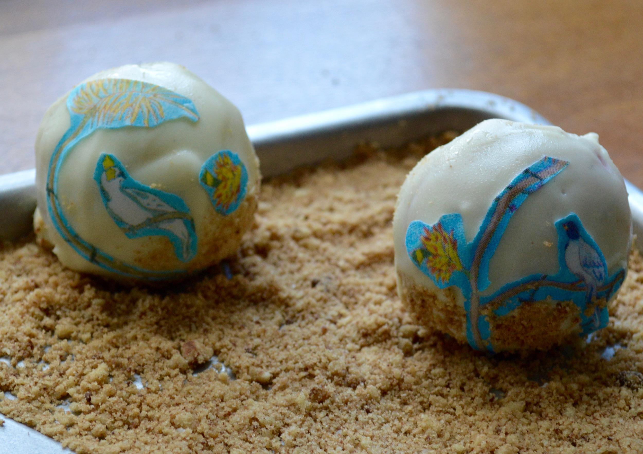Vanilla Bean cake balls with white chocolate and  St. Barth's  #ChefanieSheets