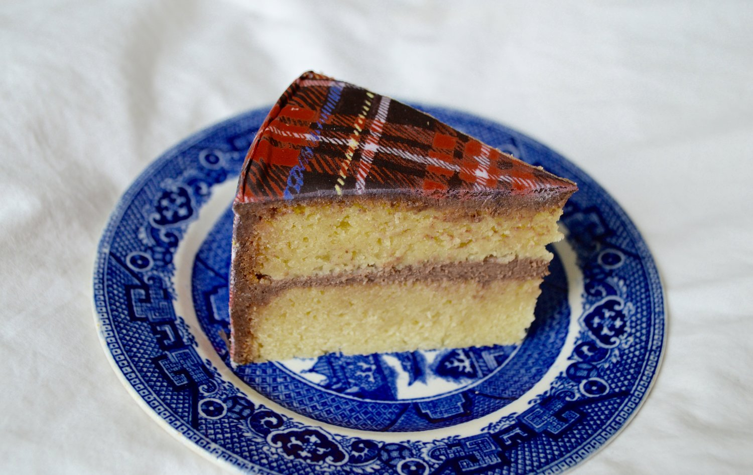 Gluten-free almond cake with  Tartan Chefanie Sheets