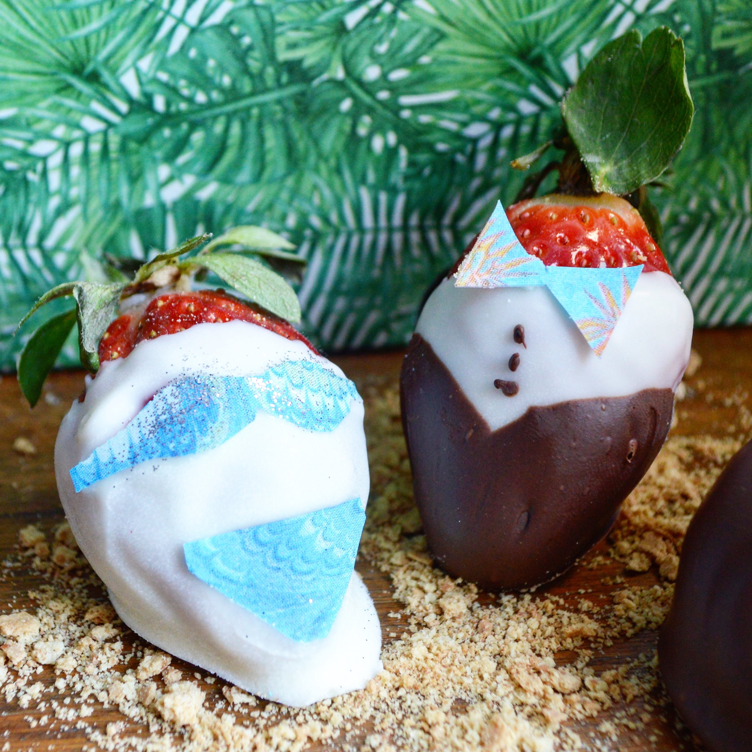 Chocolate dipped strawberries with  Chefanie Sheets  ( recipe here )