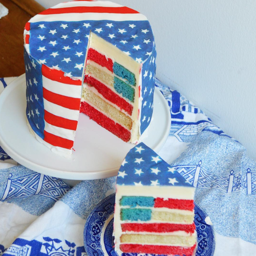 American Flag cake  with  Flag Chefanie Sheets .