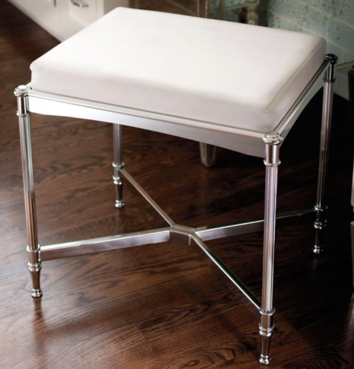 Evalia Design_Bellmont Stool