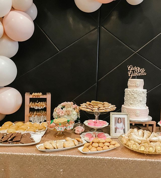 We are swooning over this beautiful set-up... God Bless Gabriella🌸