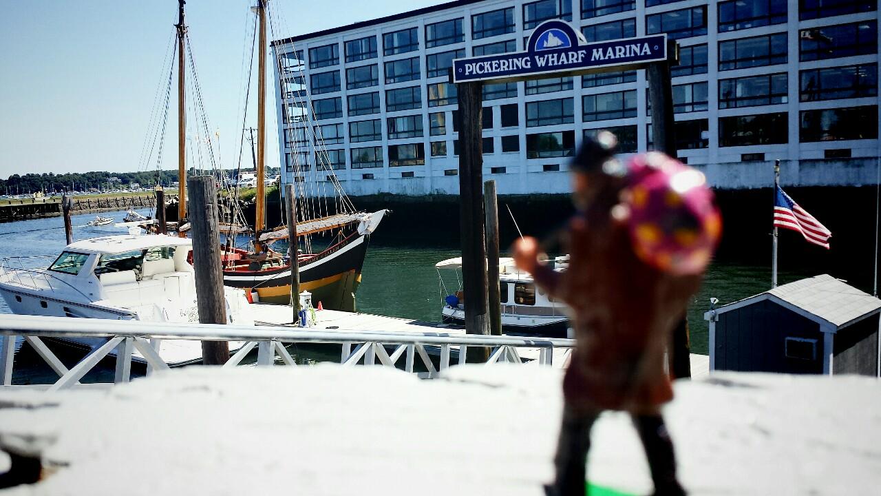 Simple salem seaport