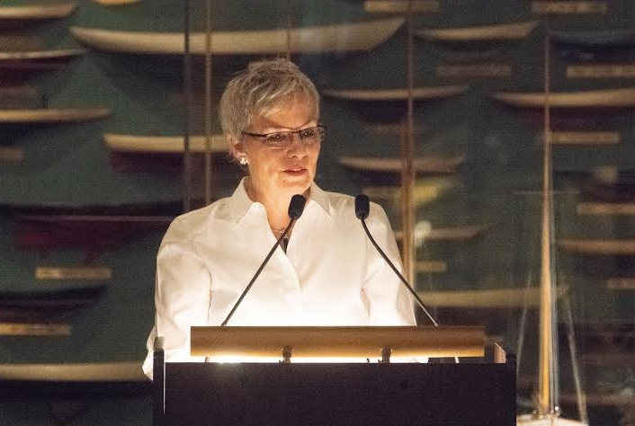 Bren McClain, winner of this year's Willie Morris Award, speaking at the New York City Yacht Club last month. The reception honored her and other southern writers, including the late Pat Conroy.