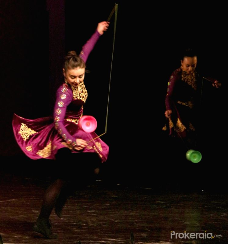 Xinjiang Art Theatre Song and Dance Troupe. Photo credit: Prokeraia.com