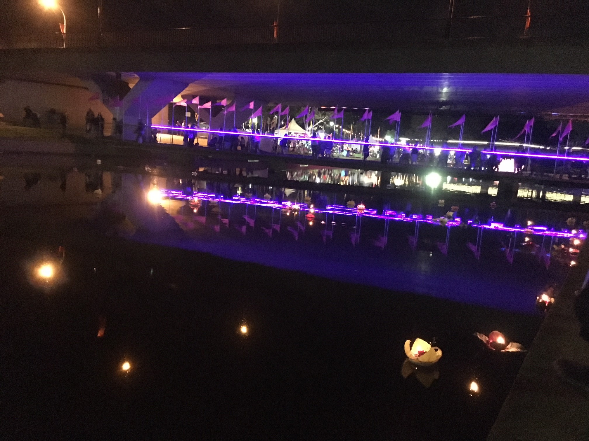 Parramatta river was dressed up by many krathong with lights.