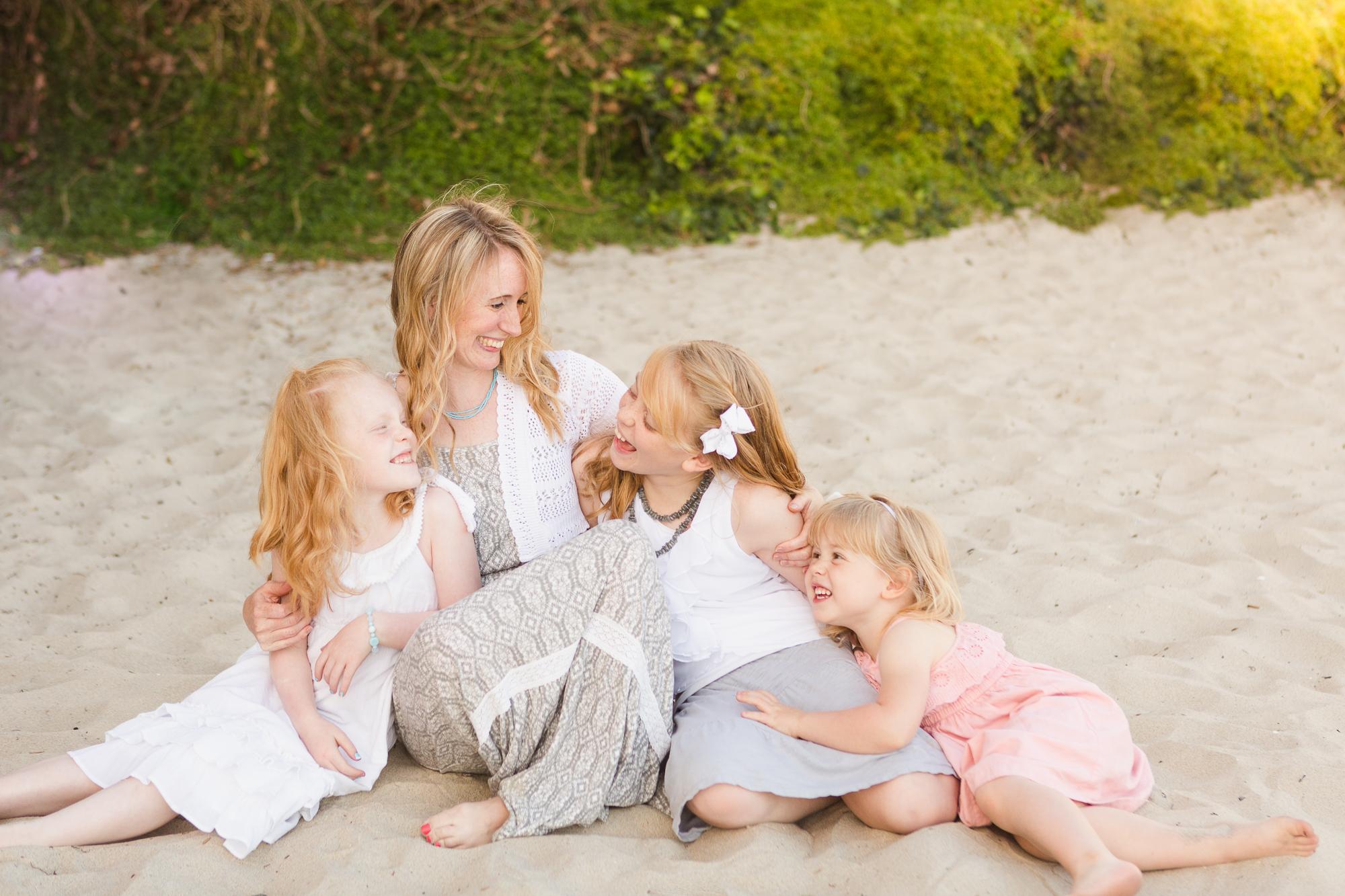 San-Diego-Photographer-Christine-Dammann-mother-daughter-pacific-beach-ws-1.jpg