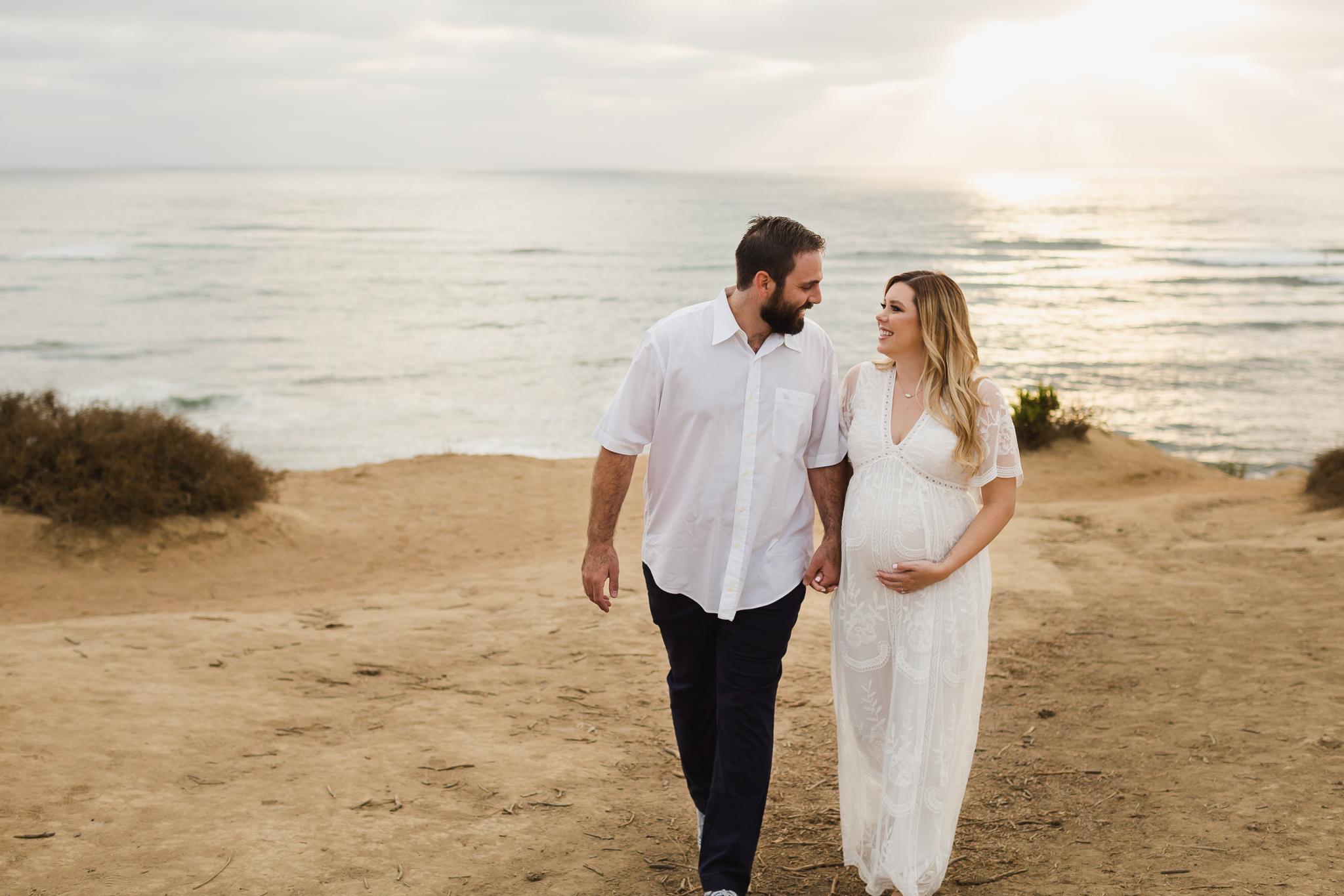 San-Diego-Photographer-Christine-Dammann-Maternity-Sunset-Cliffs-8.jpg