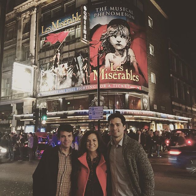 Thanks to my sweet sister Morgan, I had the opportunity to see the play that is quite possibly my biggest musical influence in London tonight! Thanks Mojo!