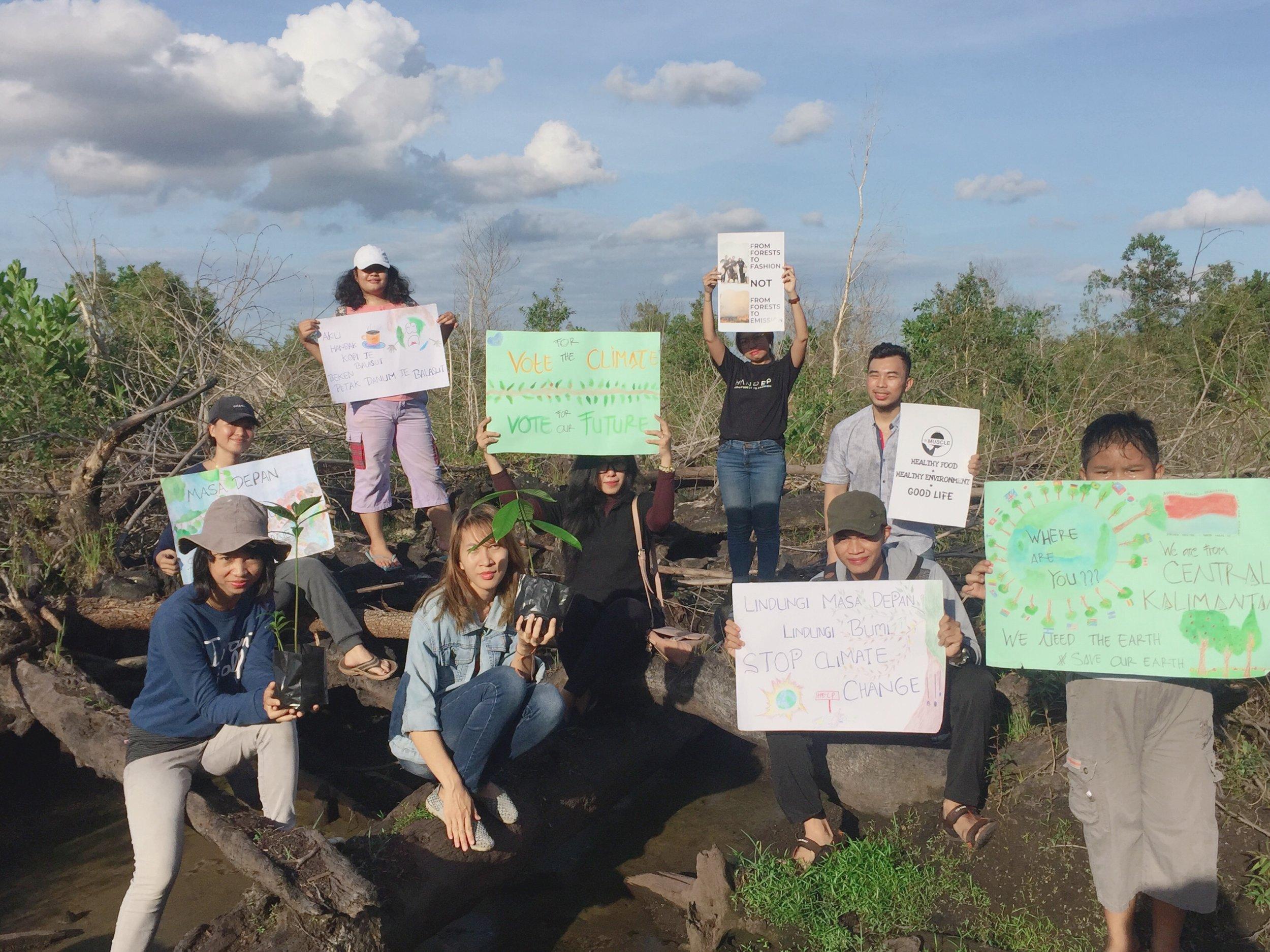- Kesadaran Iklim Pemuda Kalteng Bersama Gerakan Global