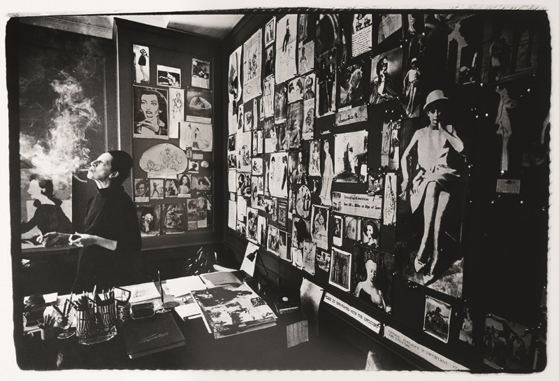 Diana Vreeland in Vogue Office 1965n
