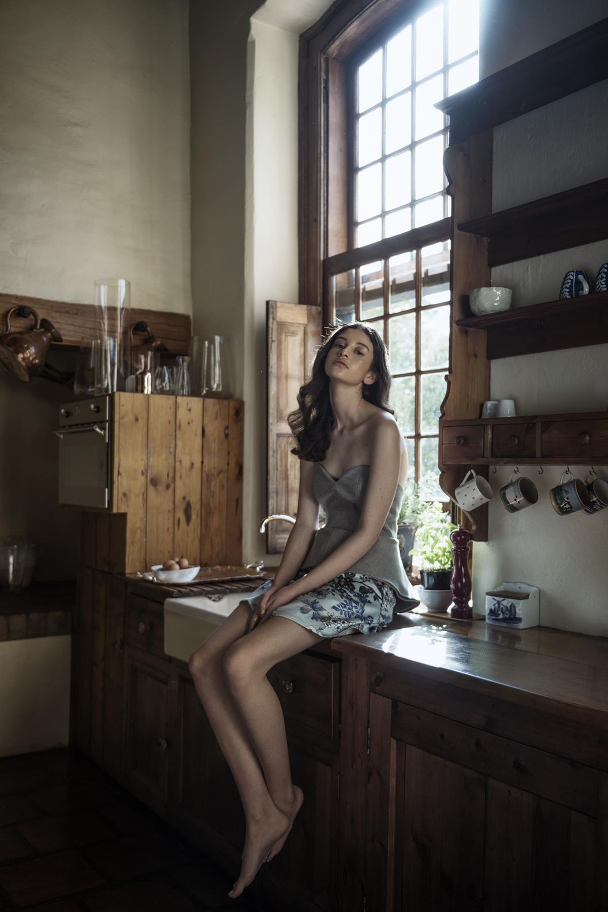 the-house-sitter-anika-molnar-kim-davidson-1.jpg