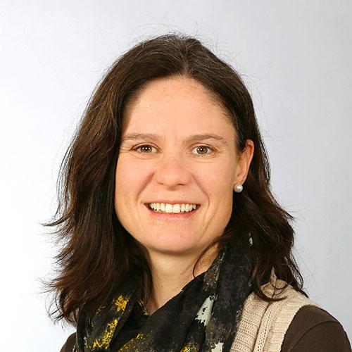 Johanna Bernhard   Stiftungsrätin  Theologin, Ausbildnerin eidg. FA