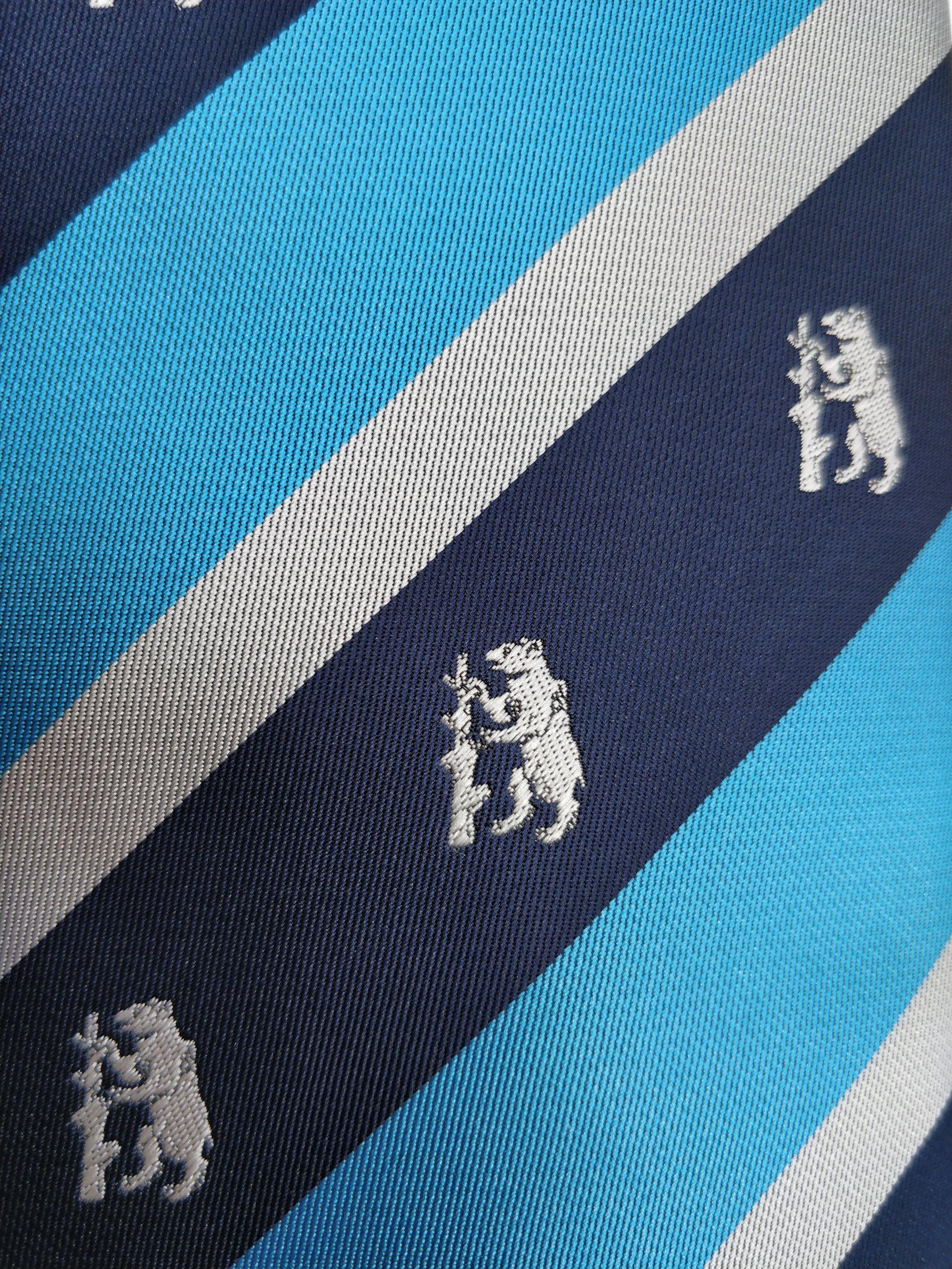 Club Tie Close up.jpg