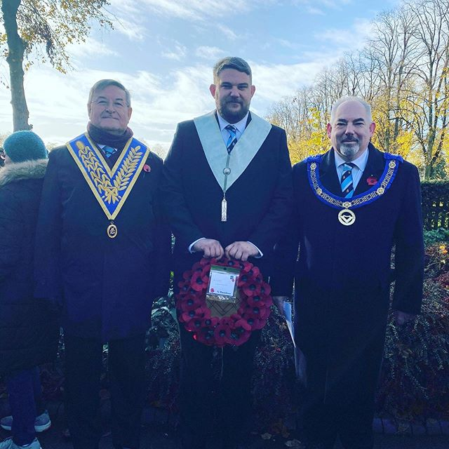 Thank you Leon Wright, one of our new members for laying a remembrance wreath on behalf of all Rugby masons this morning. We will remember them. #remembrancesunday