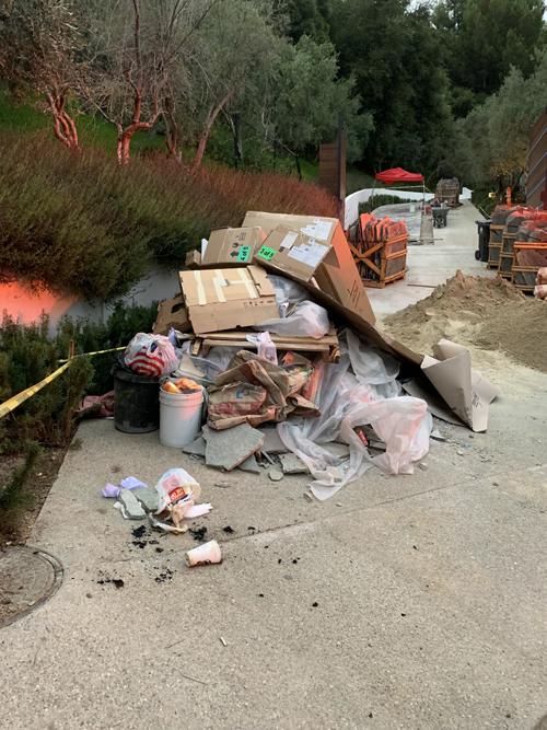 755 Sarbonnne trash debris 8-16-19 IMG_2873 500.jpg