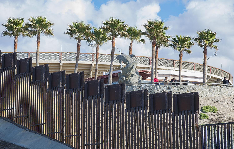 US-Mexico-Friendship-Park-Pacific-Ocean.jpg
