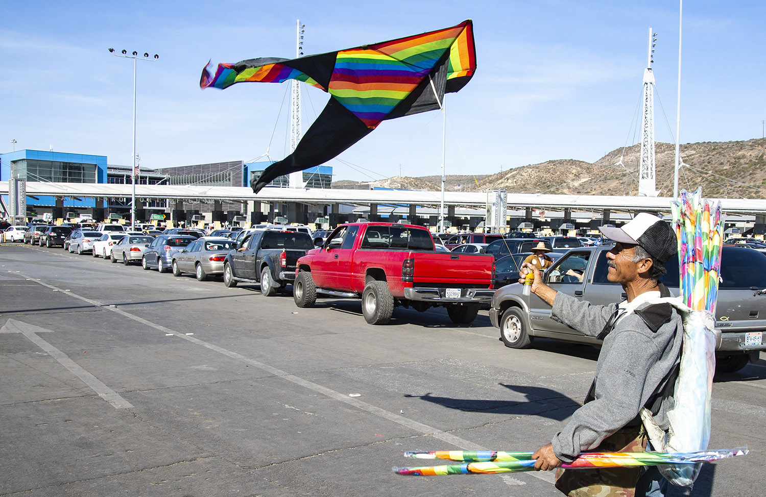 San Ysidro-USA-Mexico-Border-traffic-kite-flyer.jpg