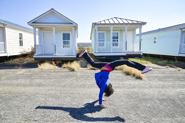 Greenwood-Mississippi-katrina-cottages-somersault-rose-fellows.jpg