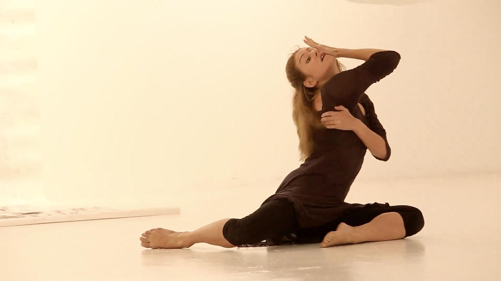 Performance by Joana Melchior