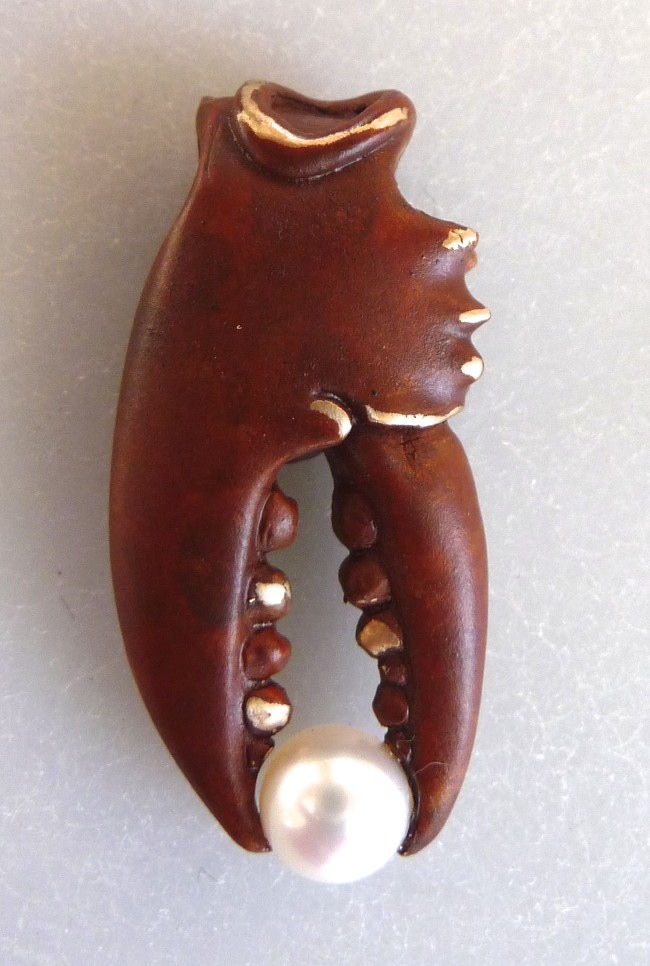 LClaw Bronze Med Pincher Rust w-white pearl.jpg