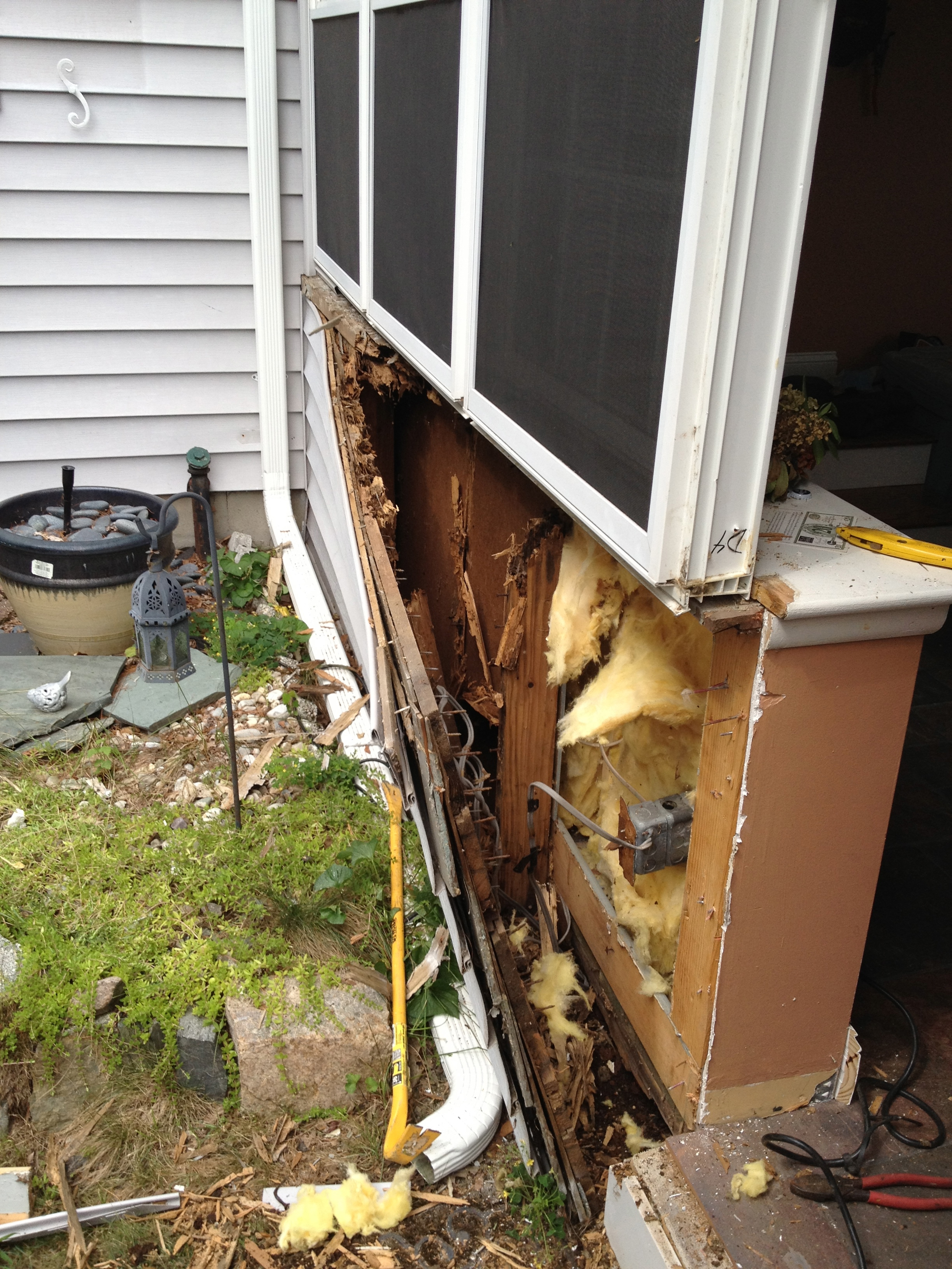 Window & Siding, Framingham 2011 - Before with rot