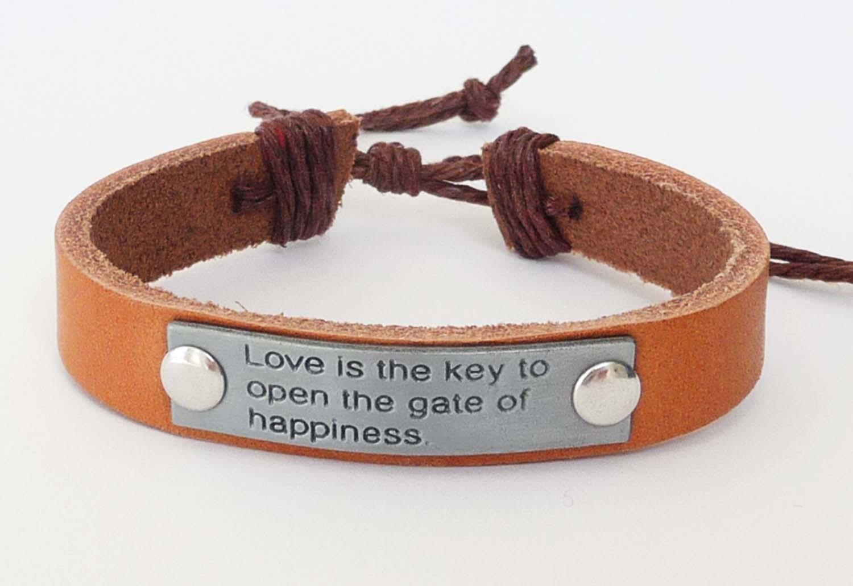 bracelet-leather-plaqu-love.jpg