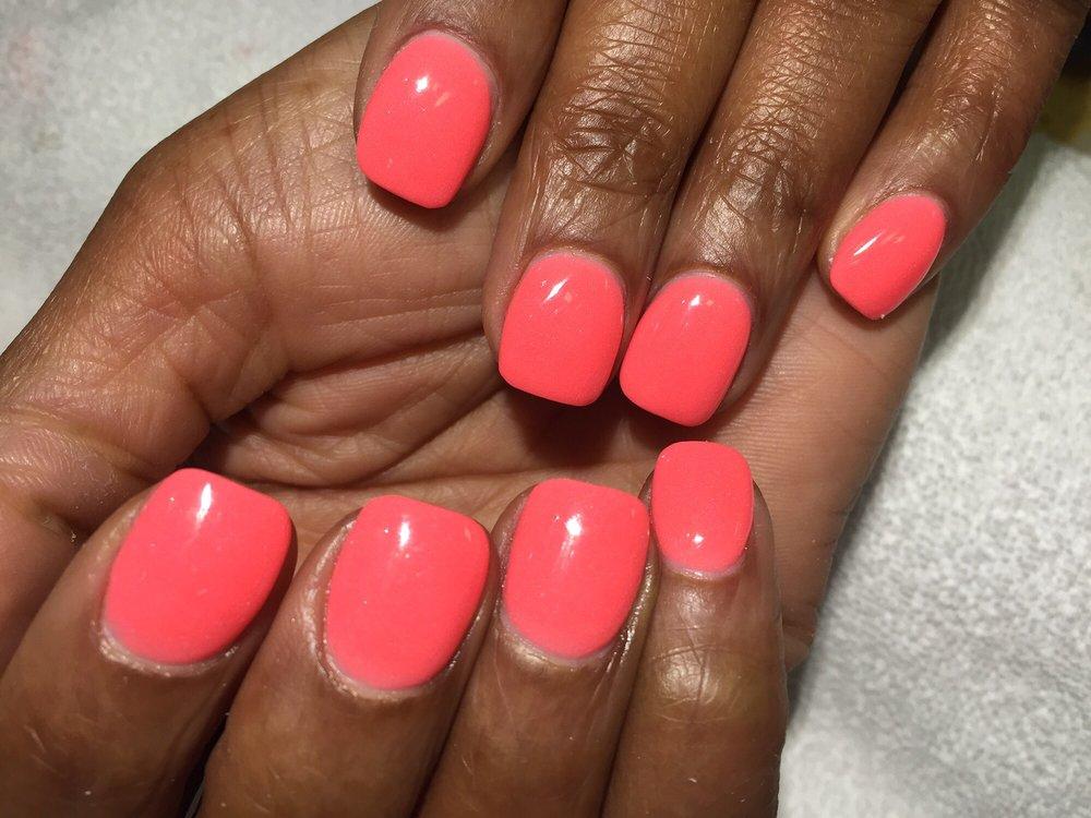 pink nails2.jpg