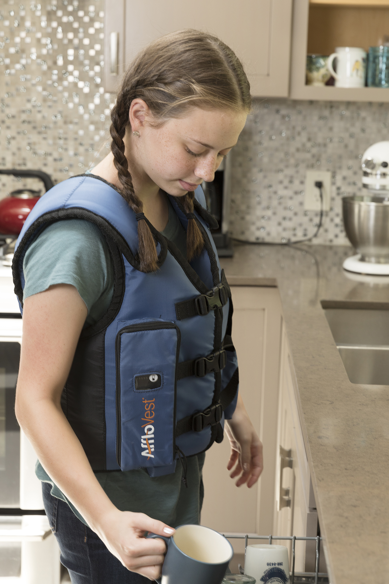 afflo-girl-dishwasher.jpg