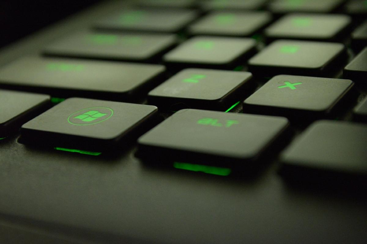computer-gaming-green-51415.jpg