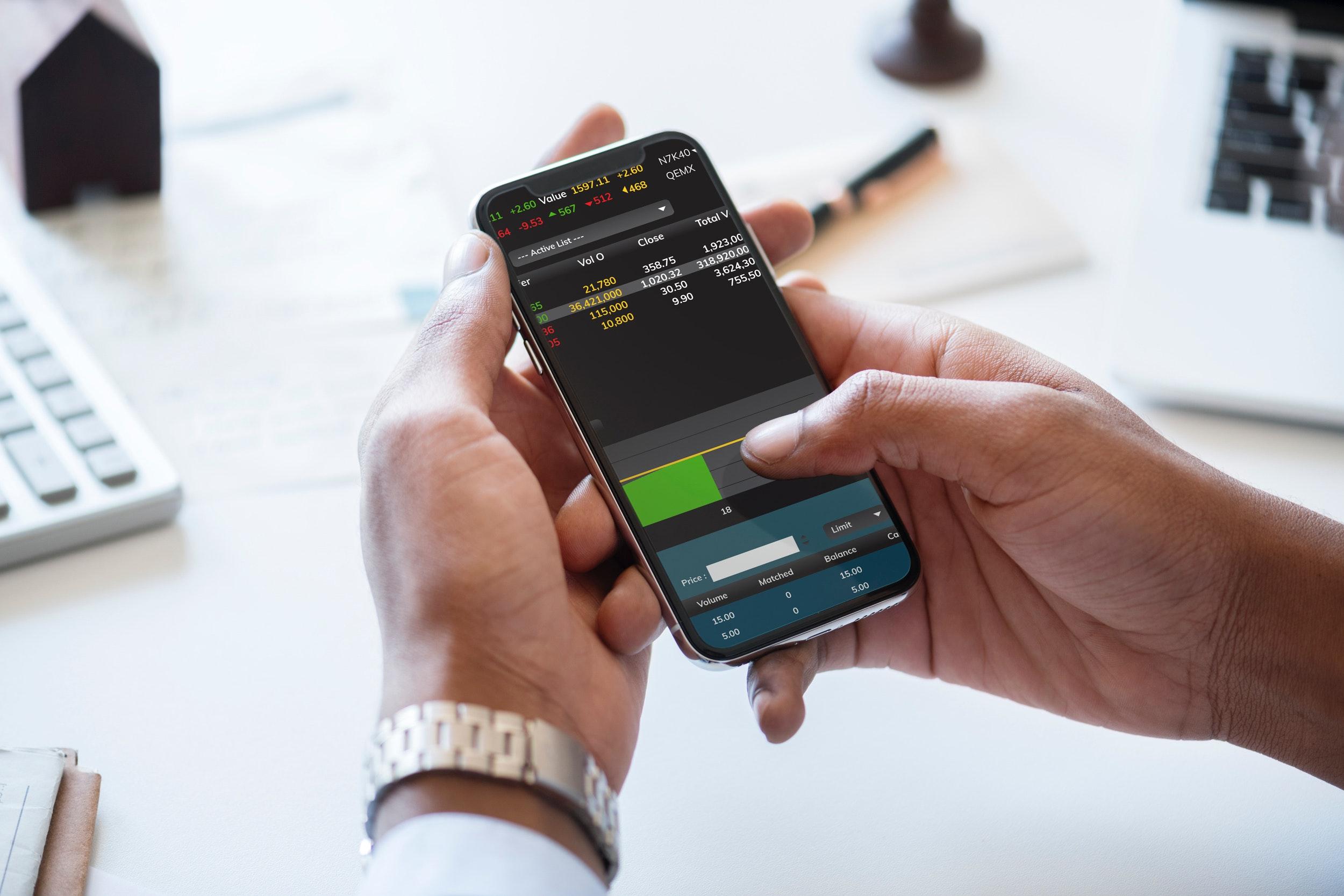 application-business-businessman-905869 (1).jpg
