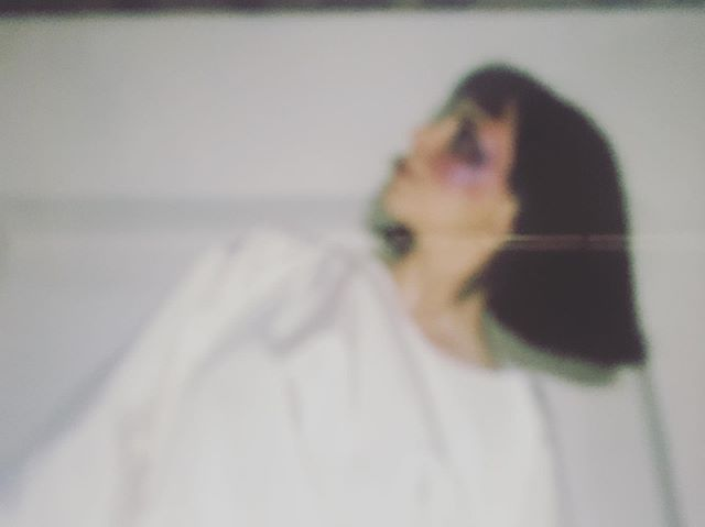 NOUVEAU CLIP À VENIR À la rentrée ... stay tuned * new vidéo-clip by @studiodominici * @indiedomini  #indiradominici #eskimo #kaori