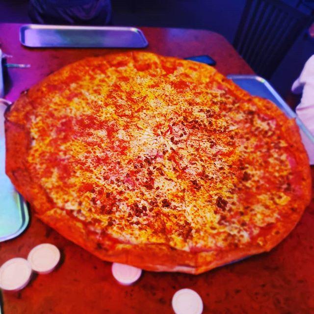 Big Ass Pizza 😬😳