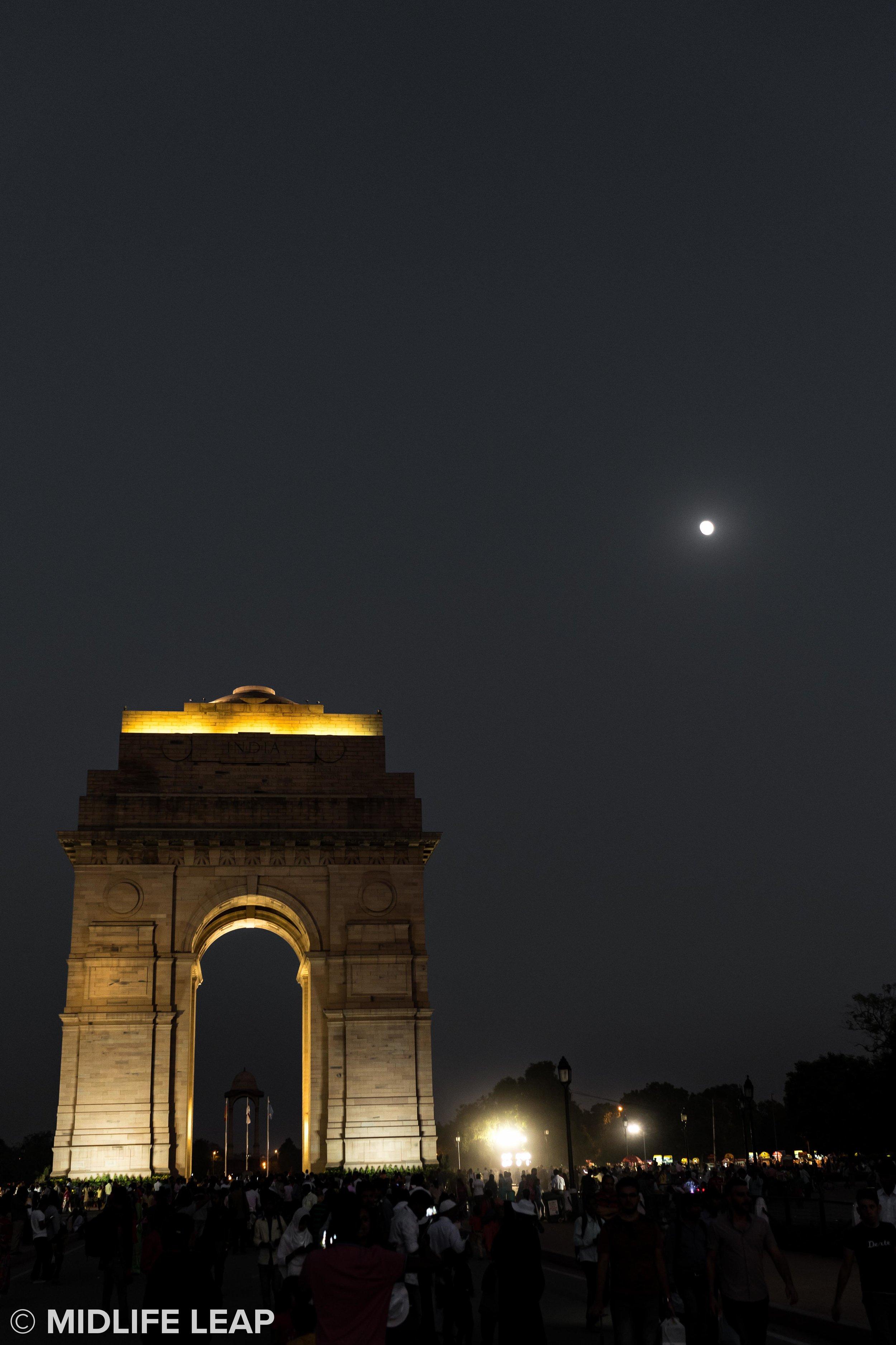india-gate-new-delhi-full-moon.jpg