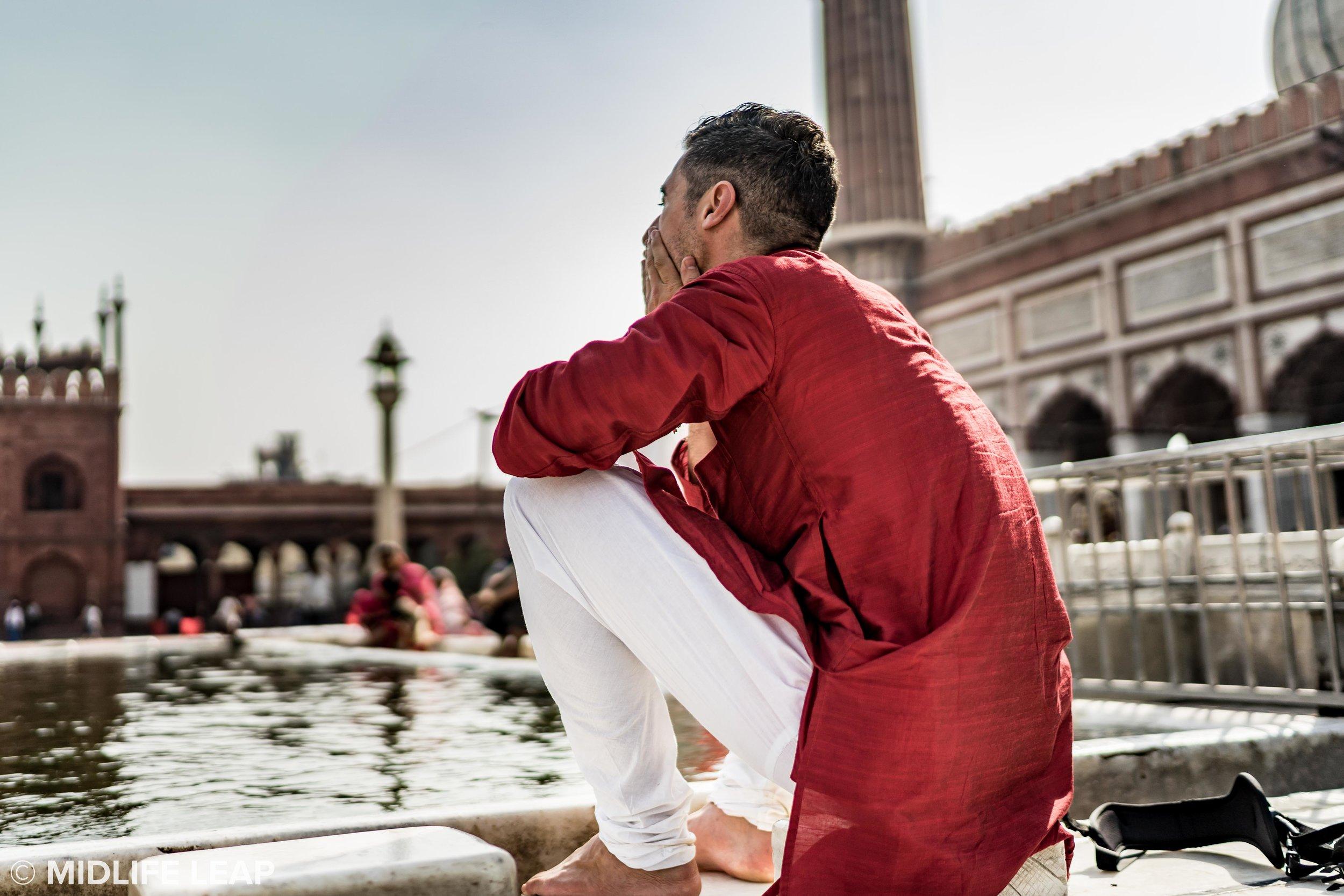 Brian bathing at Jama Masjid